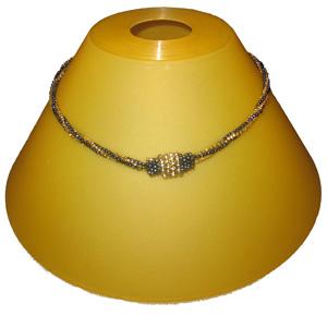 nyaklánc gyöngyfűzéssel