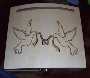 galambos doboz pirogravírozással